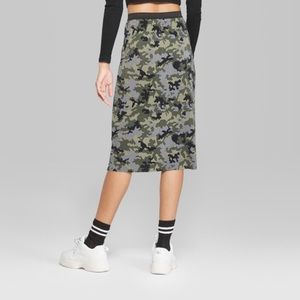 WILD FABLE Pleated Olive Camouflage Midi S…